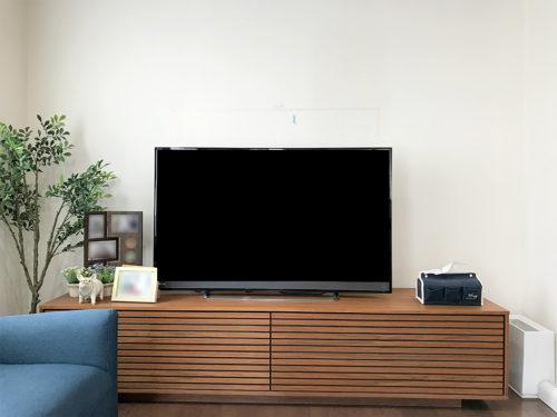取り付け前、テレビボードの上に置いてあるテレビ